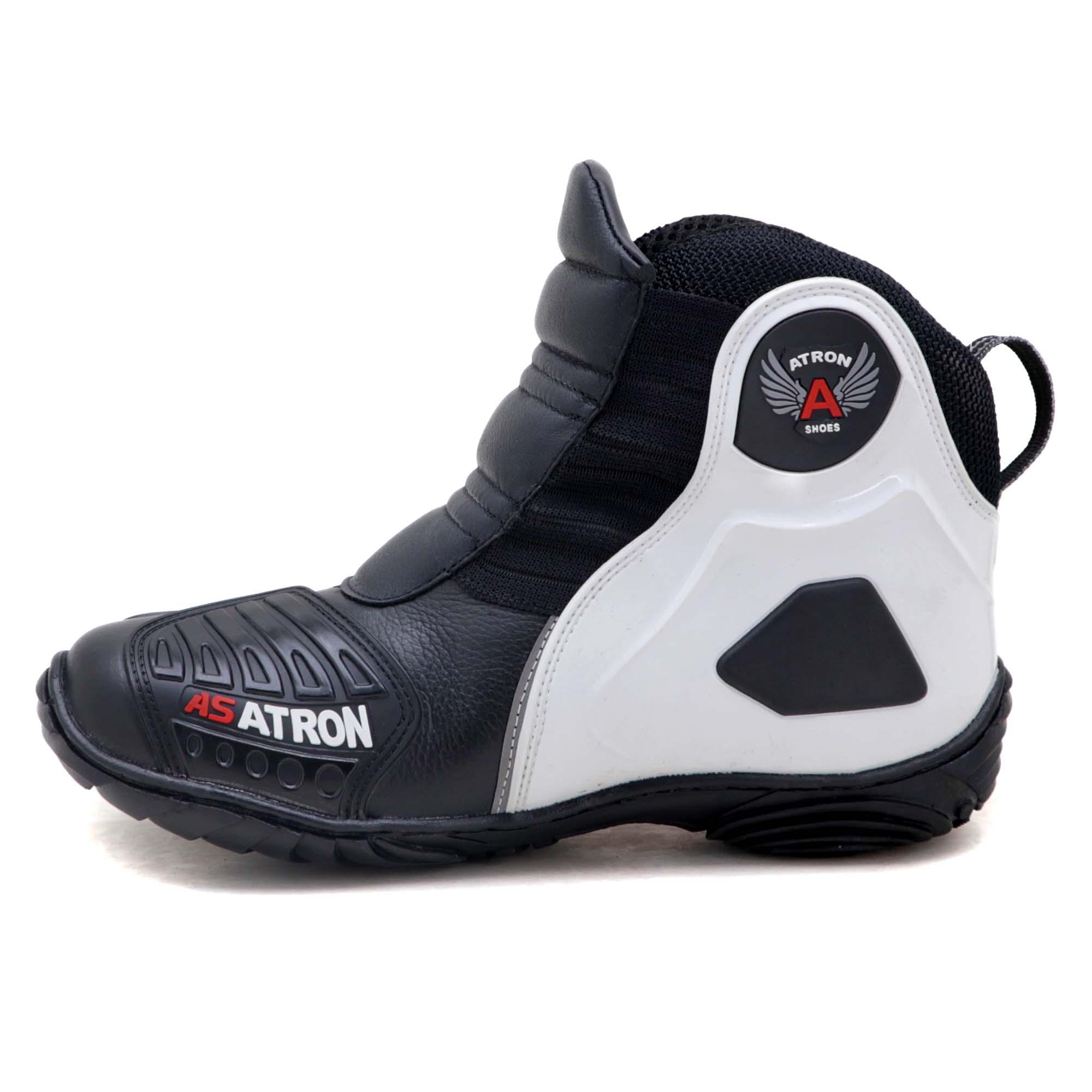 Bota motociclista Atron Shoes AS-HIGHWAY em couro legítimo semi-impermeável emborrachada Com elástico na cor Preto 408