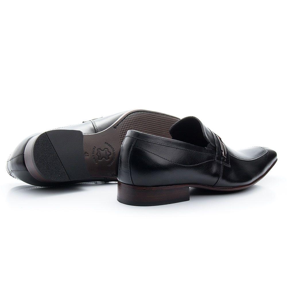 Sapato preto com fivela todo em couro legítimo Atron 365