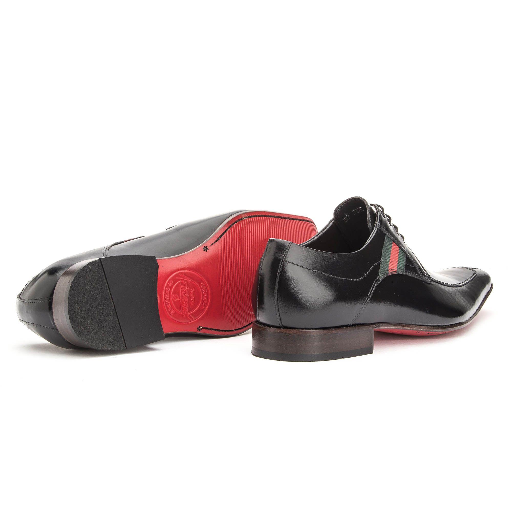 Sapato social masculino italiano em couro legítimo na cor preta com detalhes