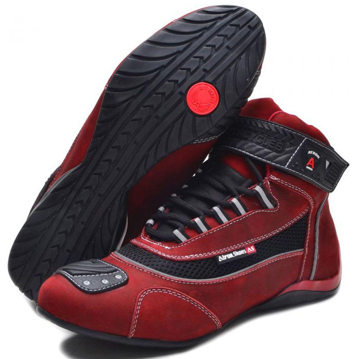 Tênis motociclista vermelho nobuck unissex 310 com chinelo estampado e carteira de brinde