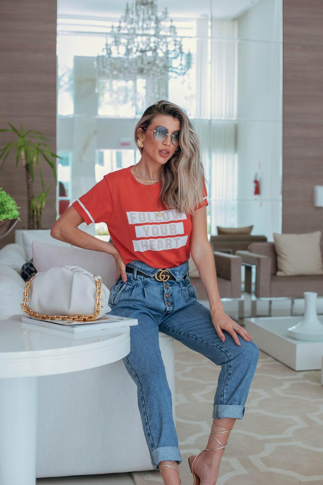 Blusa T-shirt Lírio Modal Frases Manga Curta Tricot Feminino Coral