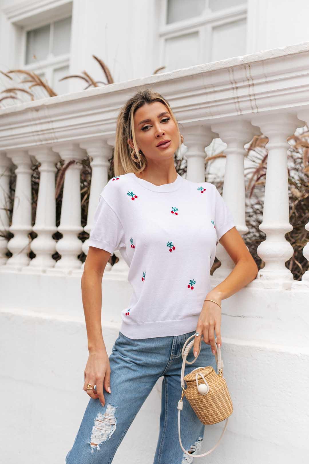 Blusa T-shirt  Naomi Cereja Vera Tricot - Branco