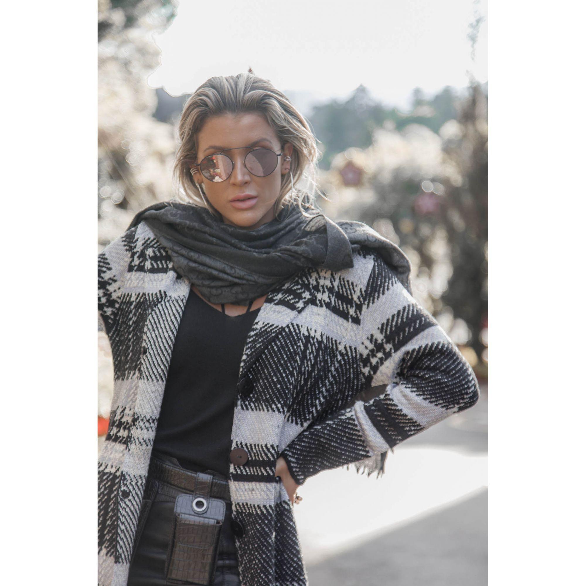 Casaco Longo Vera Tricot Xadrez Feminino Preto / Cinza