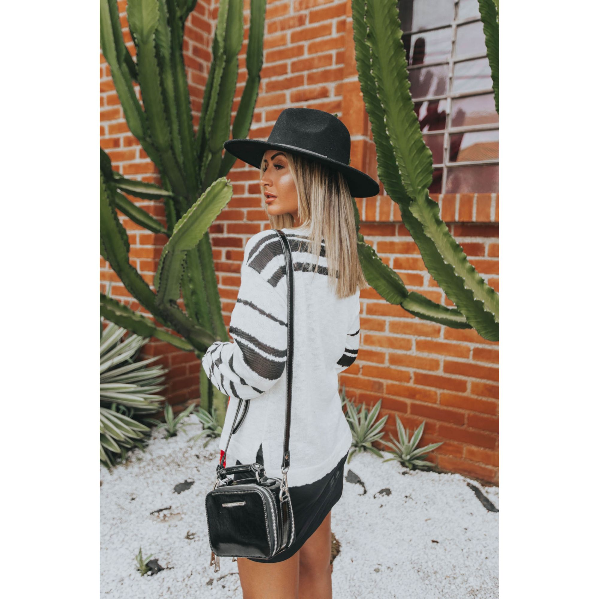 Blusa Vera Tricot Feminino Listras Off White / Preto Cordão Neon