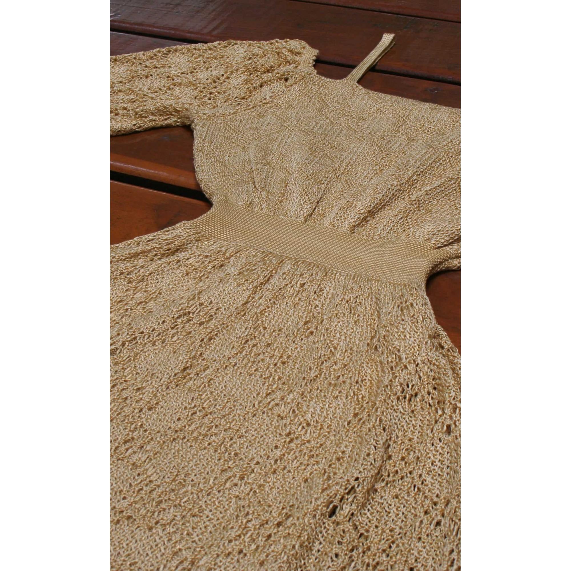Vestido Angélica Curto Vera Tricot Rendado Ombro a Ombro Com Alças Dourado