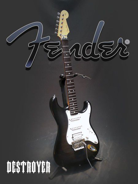 Guitarra Fender Standard Japan C/Floyd Rose - Usada