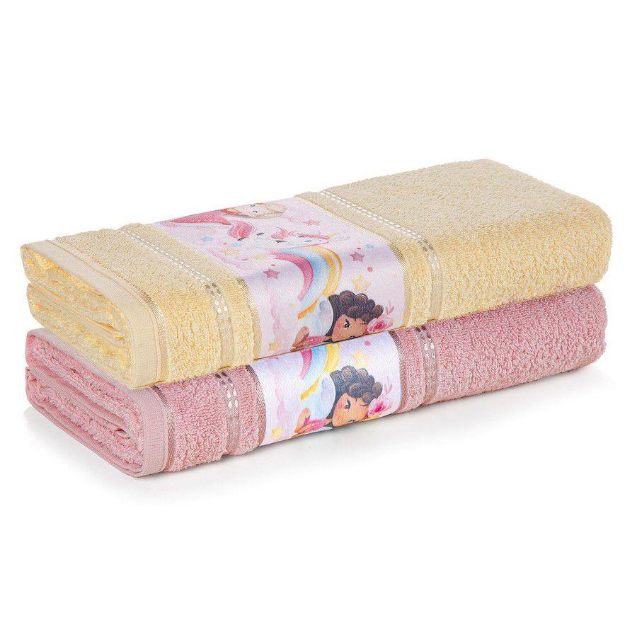 Toalha de Banho Infantil Karsten Encantada Princesas e Unicórnios Barra Estampada