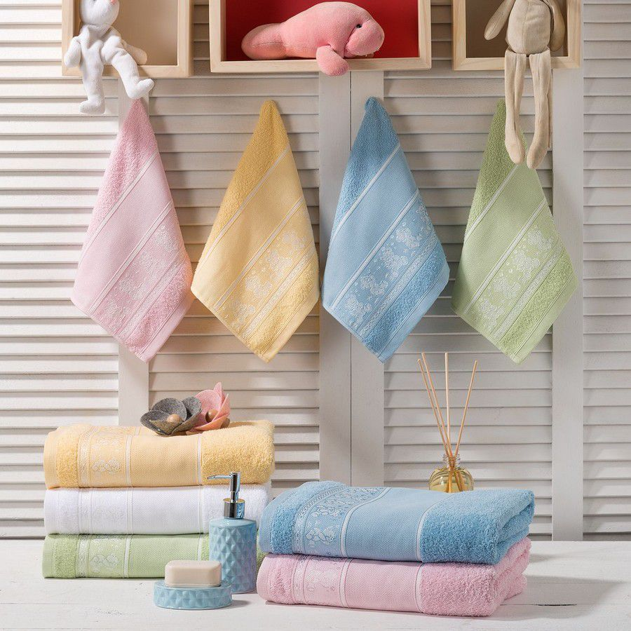 Toalha de Banho Infantil para bordar  Santista Teddy