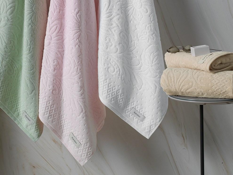 Toalha de Banho Karsten Monique Jacquard 100% Algodão - Gramatura: 440g/m²