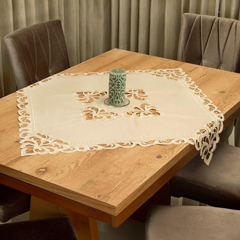Toalha de Chá / Centro de Mesa Casa Argivai Rechilie Bege Quadrada 85x85cm
