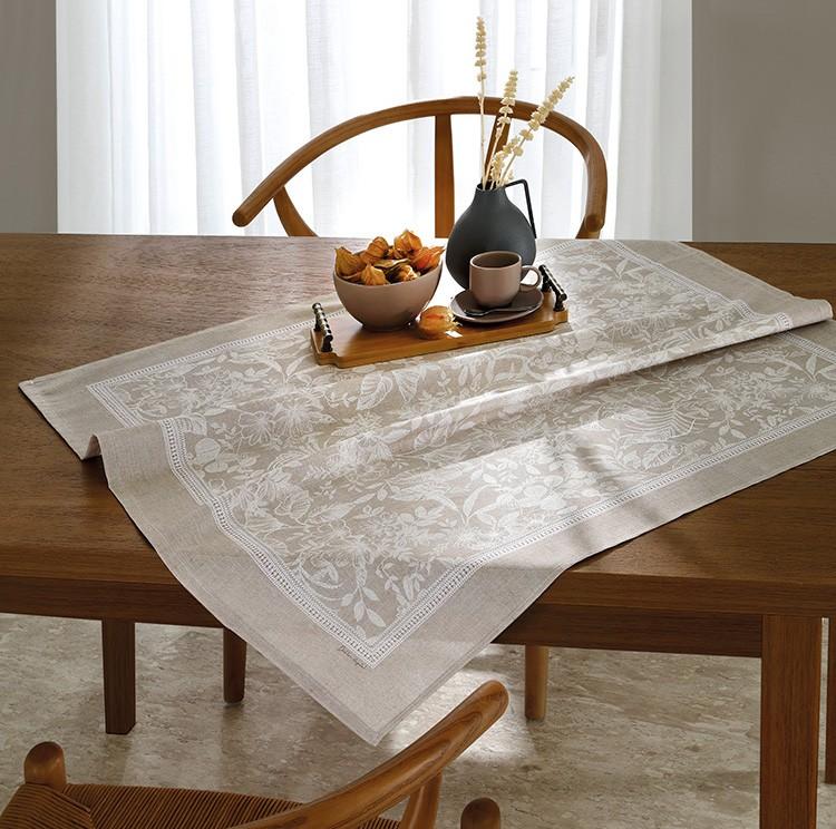 Toalha de Chá / Centro de Mesa Dohler Clean Renova Estampado Digital Alana 78cm x 78cm