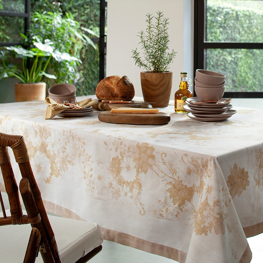 Toalha de Mesa Retangular Buddemeyer Granthan Amarelo Ocre 10 Lugares 1,60m x 3,20m