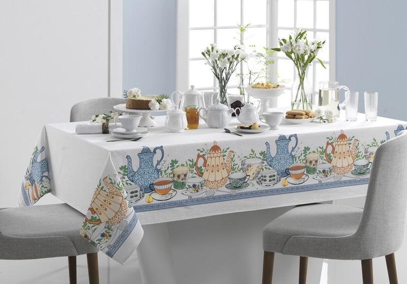 Toalha de Mesa Retangular Karsten Limpa Fácil Chá da Tarde 8 Lugares 1,40 x 2,50m