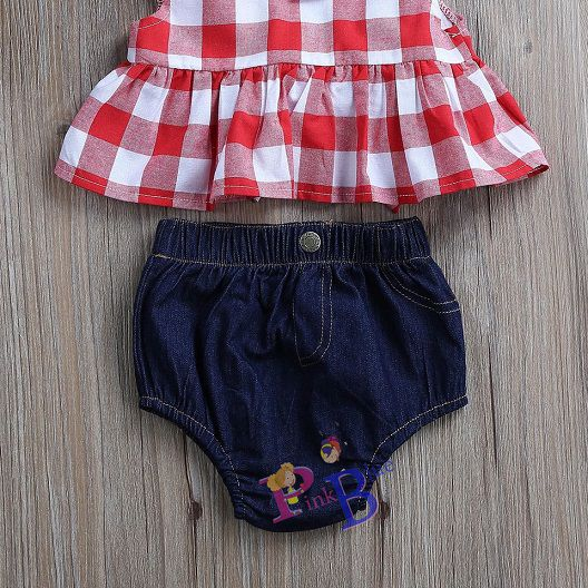 Conjunto short jeans e blusinha xadrez
