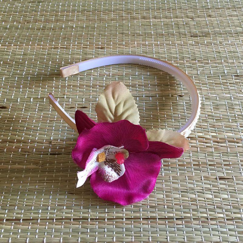 Arco Orquídea Roxa e Pérolas