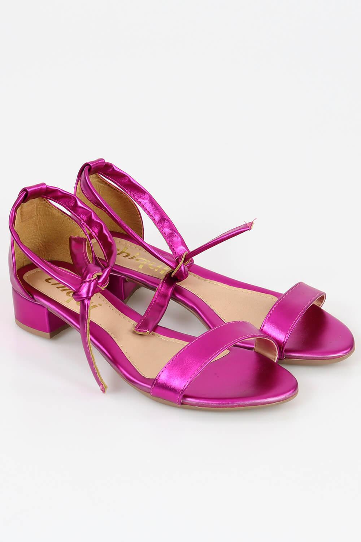 Sandália Chiqui Salto Baixo Faixa Amarrar Metalizado Pink