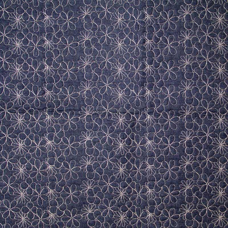 Tecido Matelassado Jeans Floral Linha Branca - 50cm X 150cm