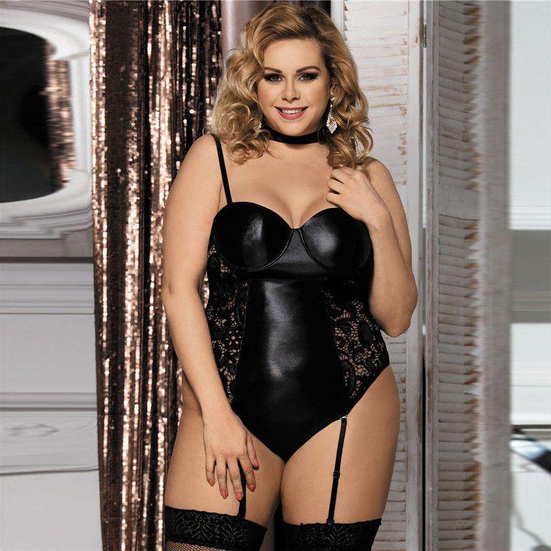 Body Plus Size Shangai Noir com Meias 7/8 Arrastão (Tamanho 48)
