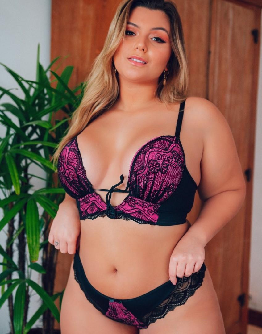 Conjunto Plus Size Decote Profundo Pink Curves - Segredo Lacrado