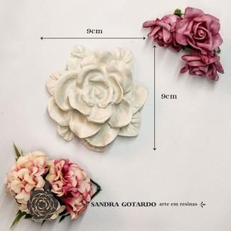 Aplique Resina Flor rosa 9x9x3,5 - resina FO 011 - Sandra Gotardo