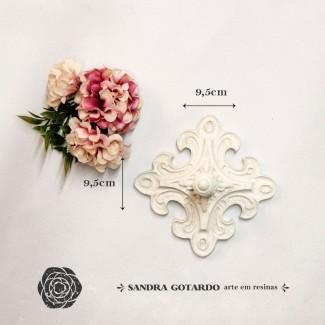 Aplique Resina Puxador de resina para caixas/gavetas 4x9,5x9,5 - resina  PX 006 - Sandra Gotardo