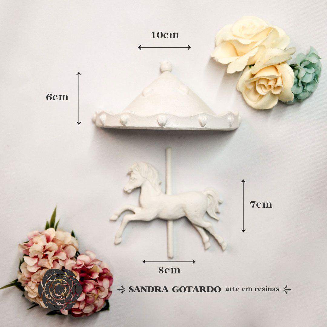 Aplique Resina Aplique carrossel com cavalo 6x10x5,5 - resina CV 006 - Sandra Gotardo