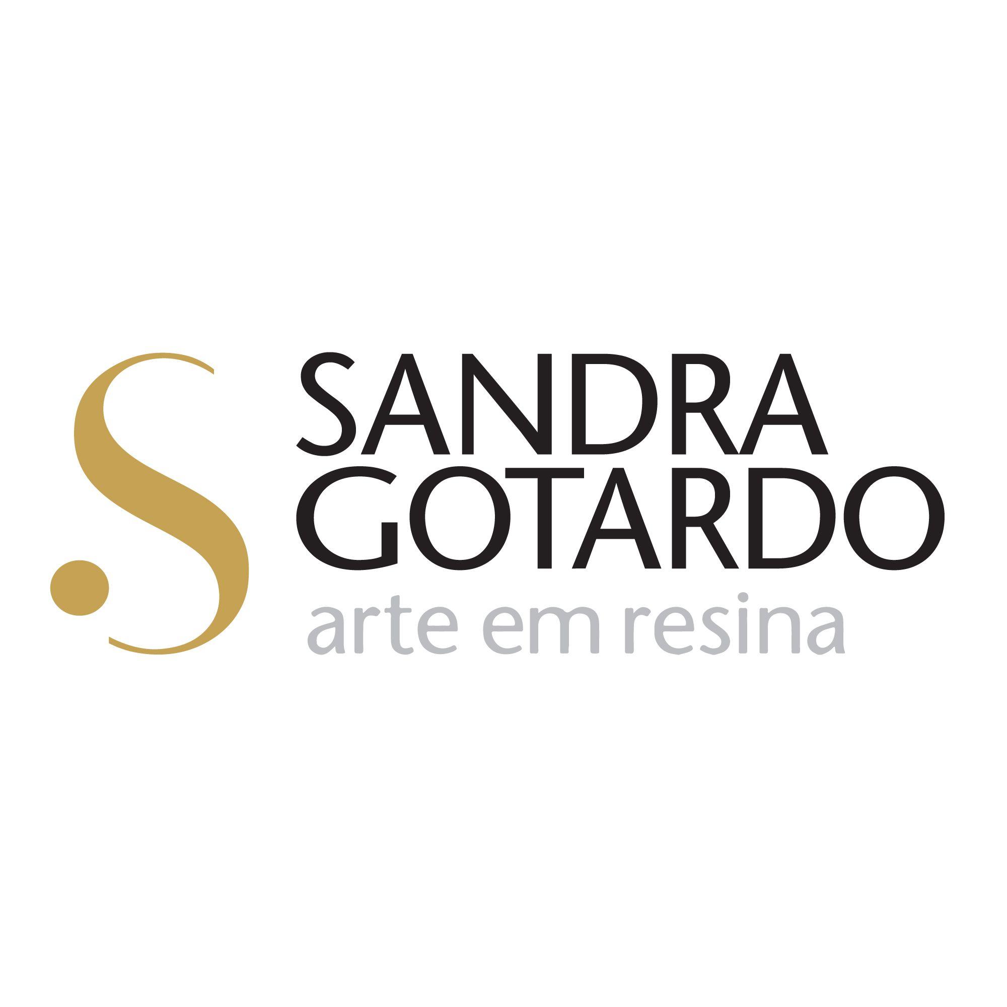 Bandeja Redonda Dourada Resinada Catherine01 - Sandra Gotardo