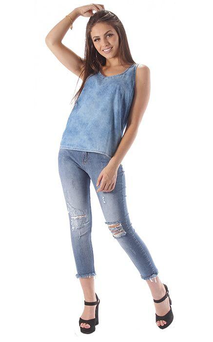 da894f91d3 Calça Jeans Feminina Cintura Alta Cropped Destroyed com Amarração em  Cadarço na Cintura Azul