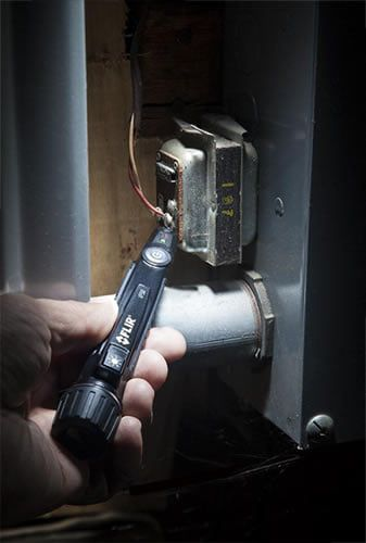 Detector de Tensão (24 A 1000 VAC) CAT IV com Lanterna LED Flir VP50  - MRE Ferramentas