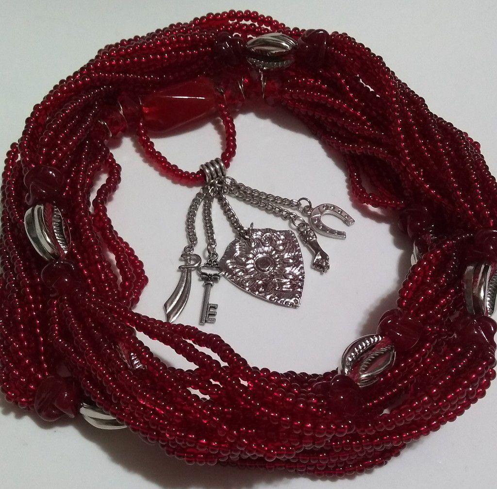 Brajá Luxo de Ogum com 9 fios, búzios de metal e pingentes - miçanga importada