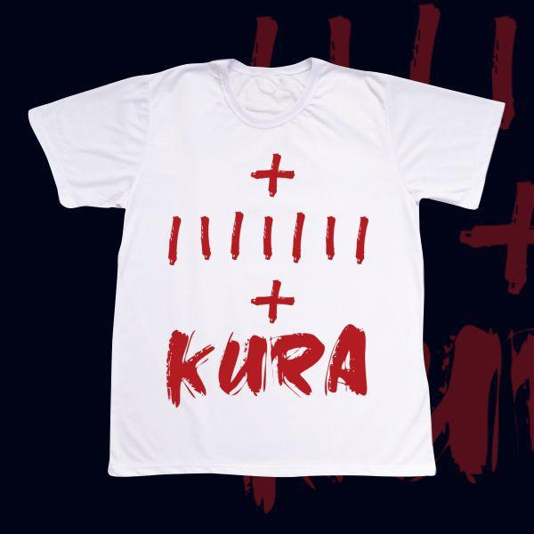 Camiseta Kura com uma marca de Kura