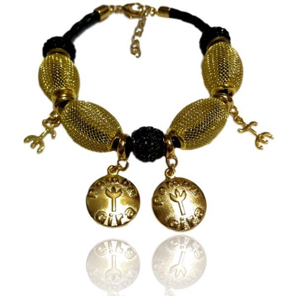 Pulseira de Pombagira com couro preto medalhas e tridentes