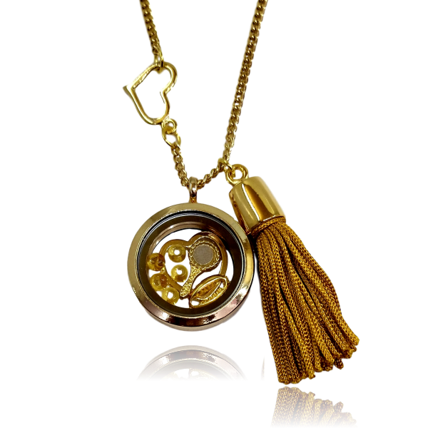 Relicário dourado de Oxum e coração