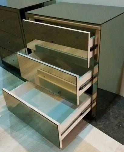Criado Mudo Bronze Bisote - A70