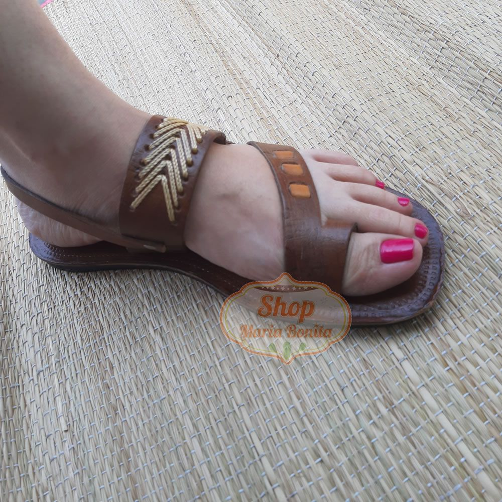Sandália Feminina Bordada de Dedo