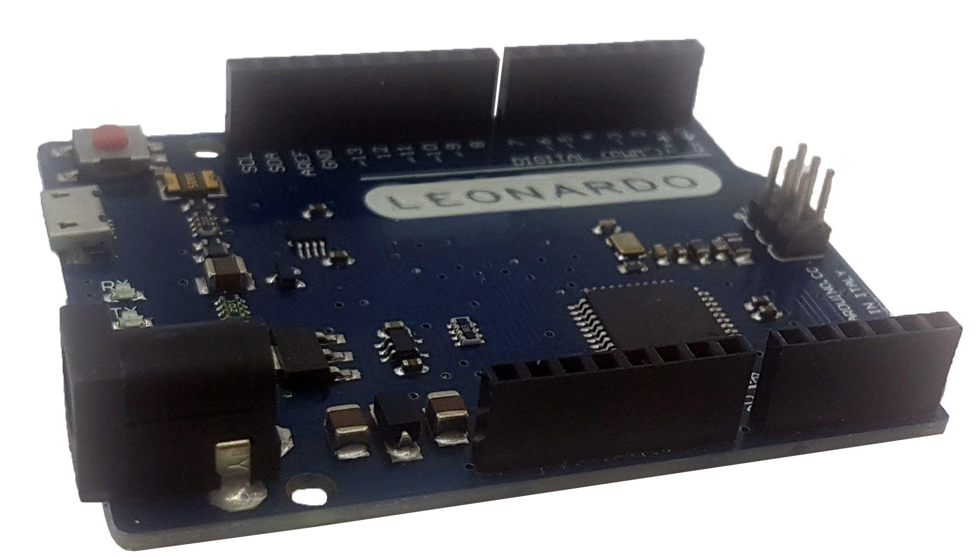 Placa Leonardo com cabo USB (compatível com arduino)