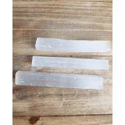 Bastão bruto Selenita Branca - Unidade - 12 a 16 cm (60 a 70g)