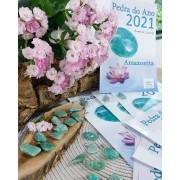 PINGENTE DE AMAZONITA + FOLHETO PEDRA DO ANO -  UNIDADE - 1,5 a 2,5 cm - PEDRA DO ANO 2021