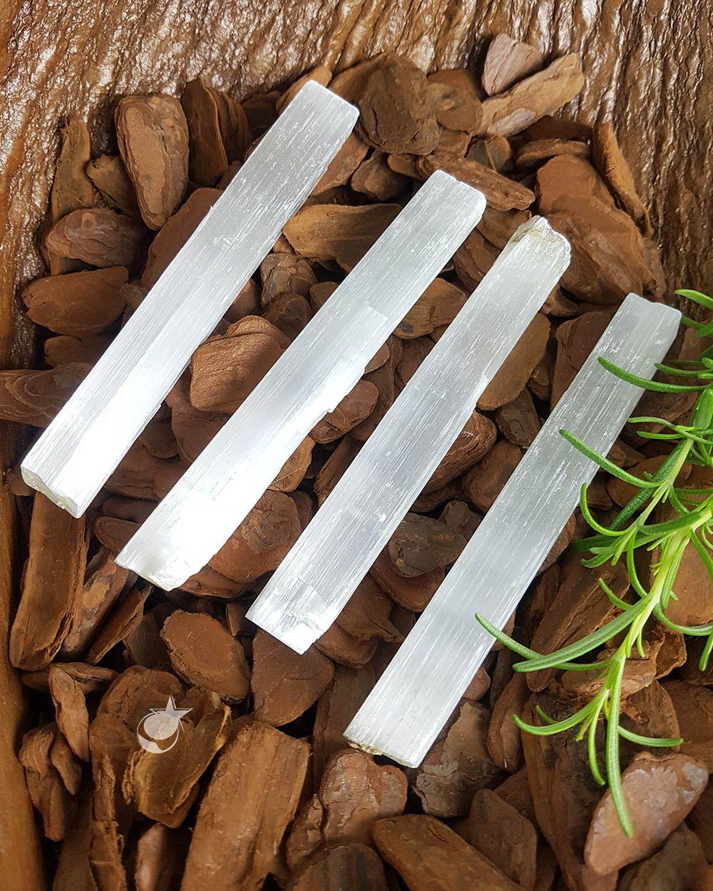 Bastão bruto Selenita Branca - Unidade - 8 a 12 cm (35 a 50g)