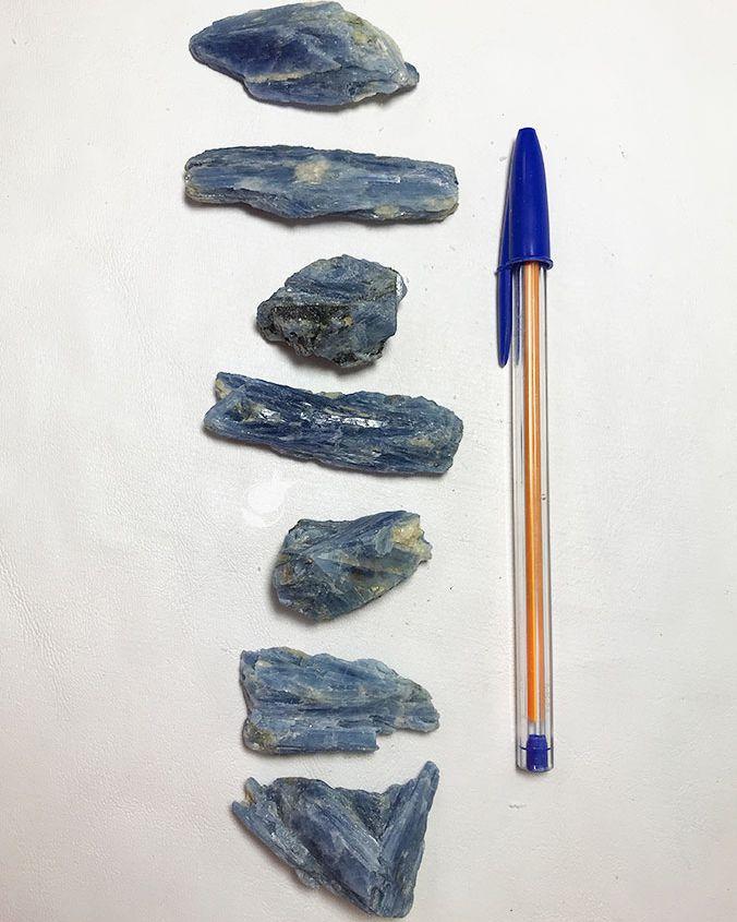 CIANITA AZUL - UNIDADE - média de  3 a 4 cm (15 a 22g)