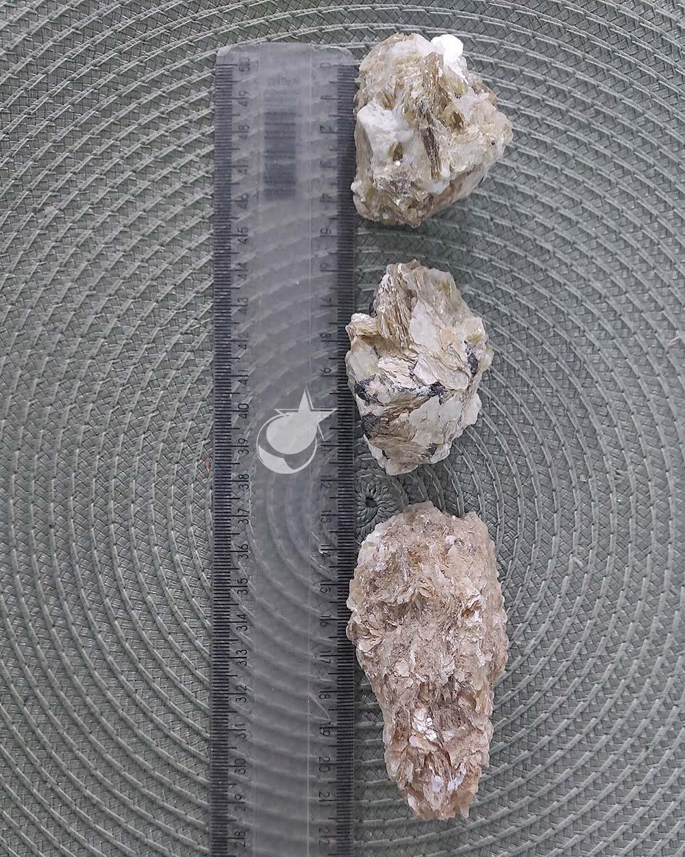 MICA AMARELA BRUTA - UNIDADE - 5 a 7 cm (77 A 90g)