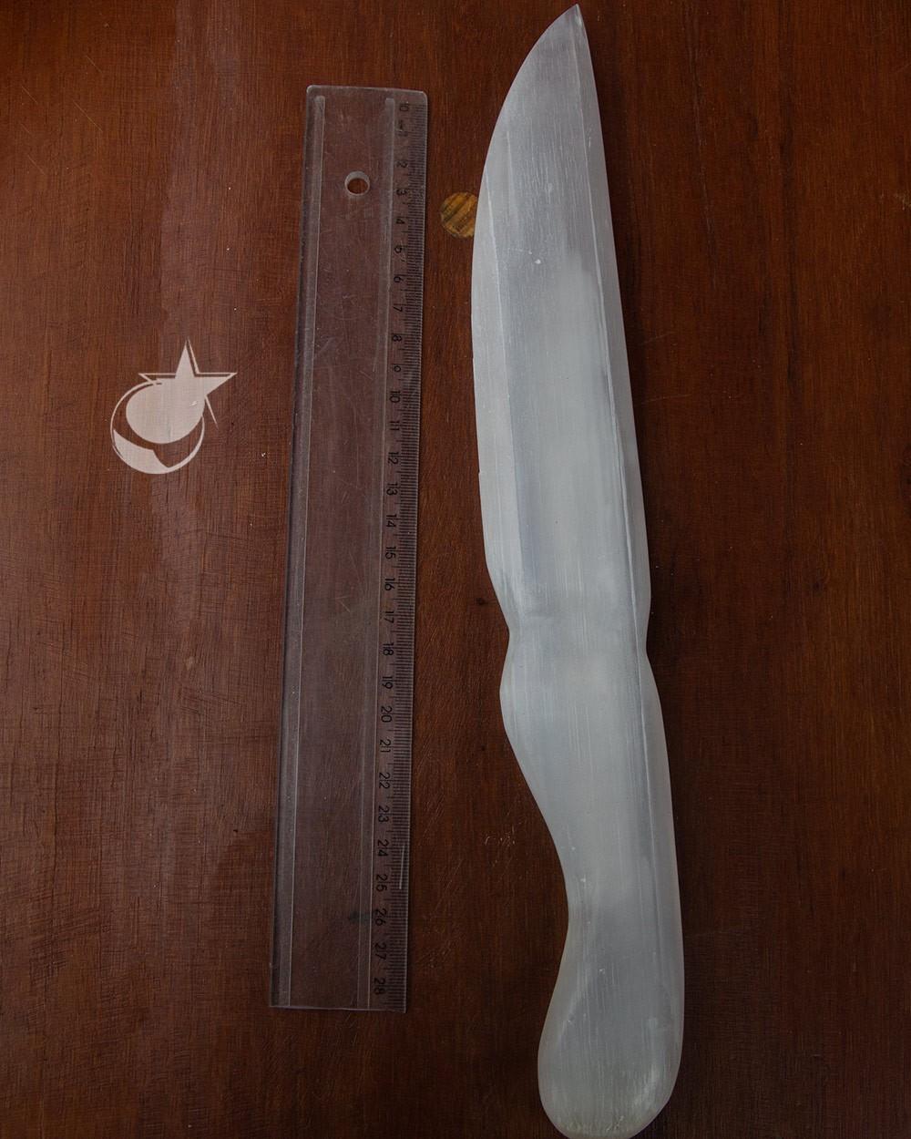 FACA DE SELENITA BRANCA DO MARROCOS - UNIDADE - 36 A 38 cm