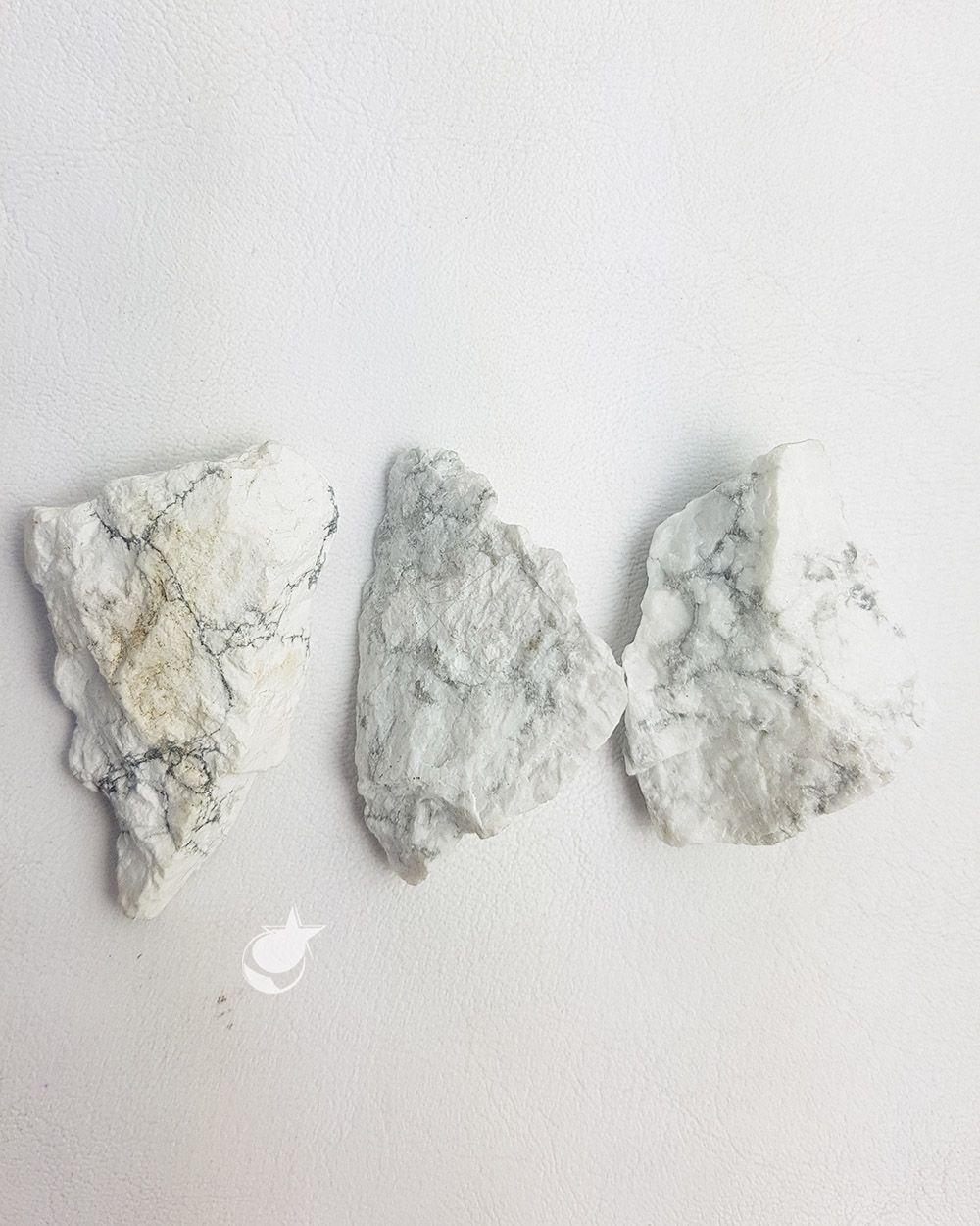 HOWLITA BRUTA - UNIDADE - média de 3 a 4 cm
