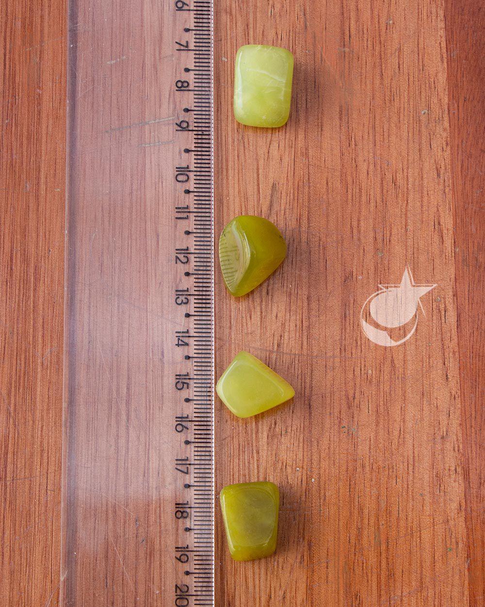 JADE VERDE  ROLADO - UNIDADE - 1,5 a 2 cm - (3 a 5g)