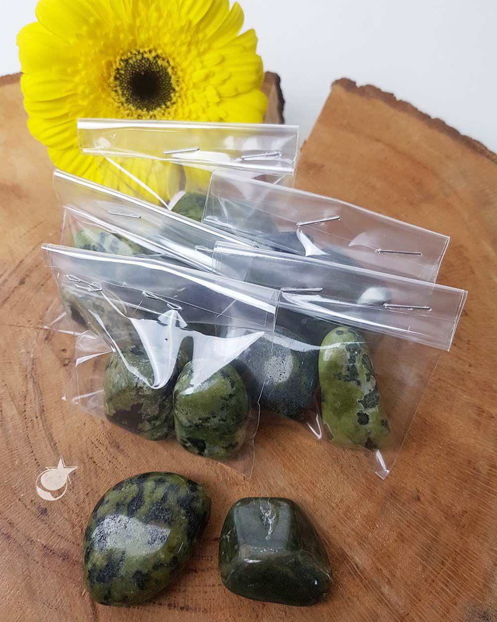 NEFRITA ROLADA -  PACOTE COM 50g (2 a 3 pedras)
