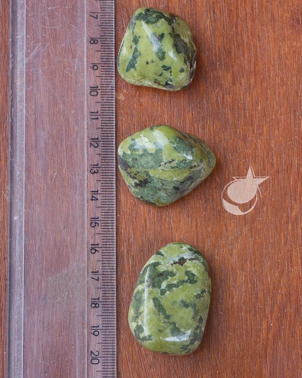 NEFRITA ROLADA -  UNIDADE - 3 a 4 cm - (37 a 44g)