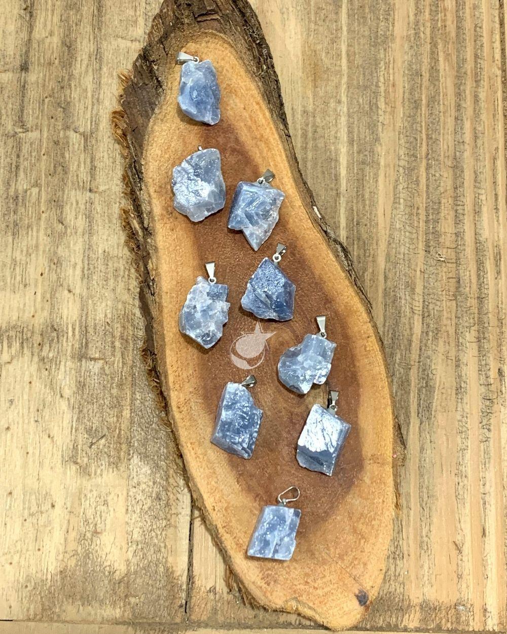 PINGENTE CALCITA AZUL  - UNIDADE - 1,5 a 2 cm