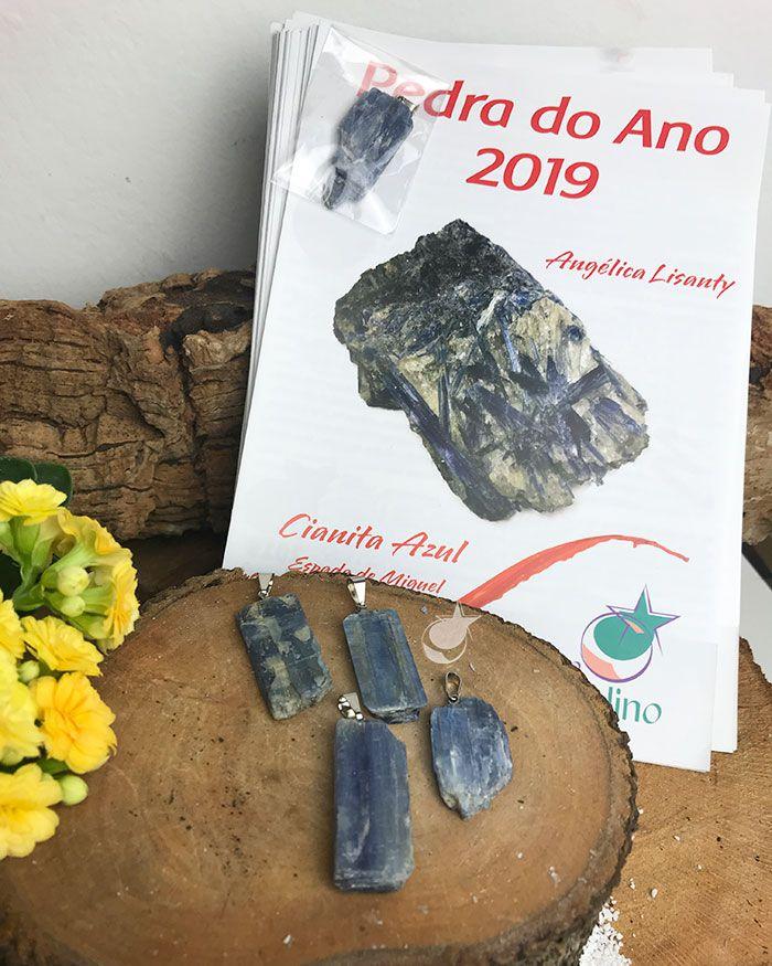 PINGENTE CIANITA  + Folheto Pedra do Ano