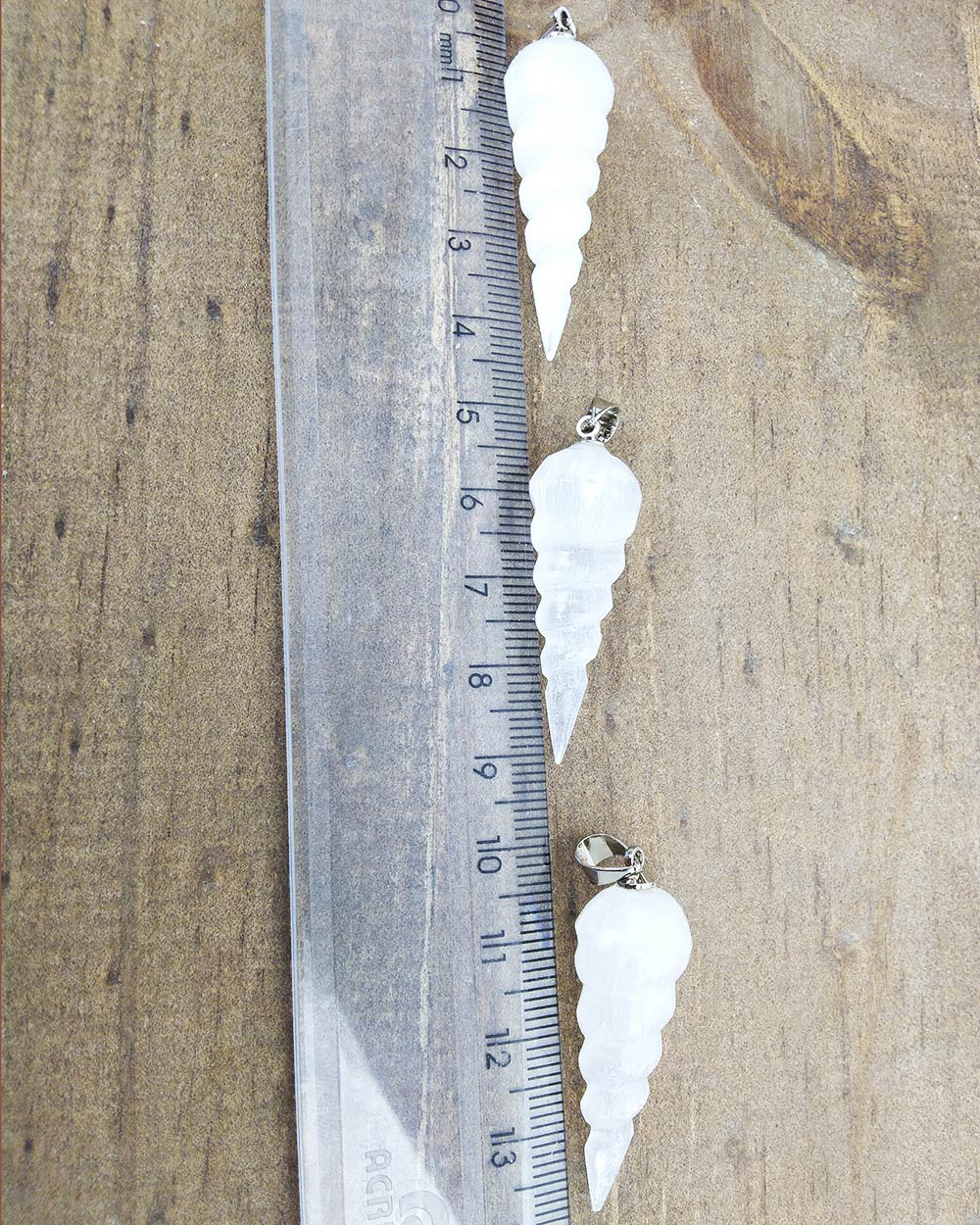 PINGENTE SELENITA BRANCA ESPIRAL - UNIDADE -  3,5 a 4 cm