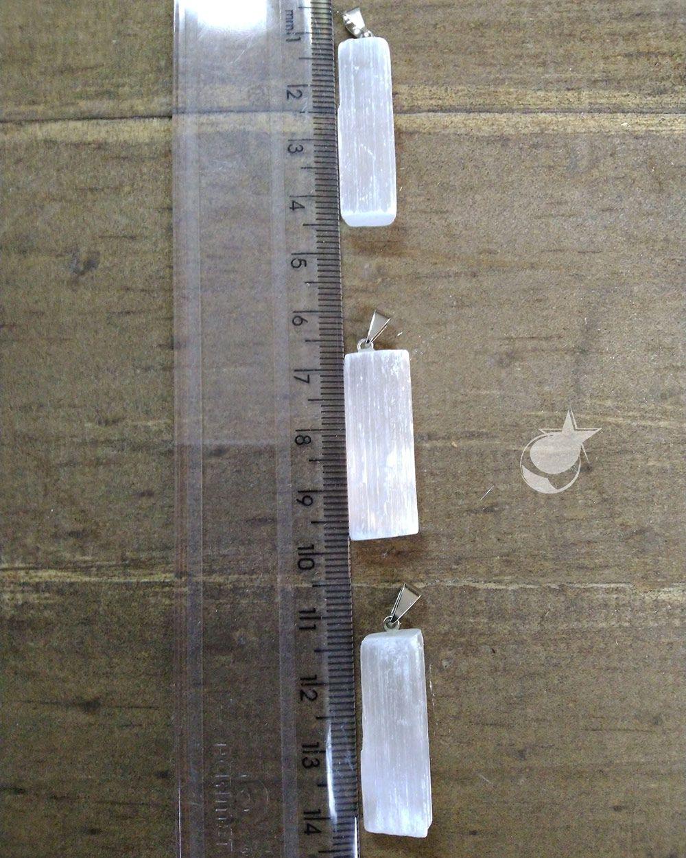 PINGENTE SELENITA BRANCA - UNIDADE -  2,5 a 3 cm